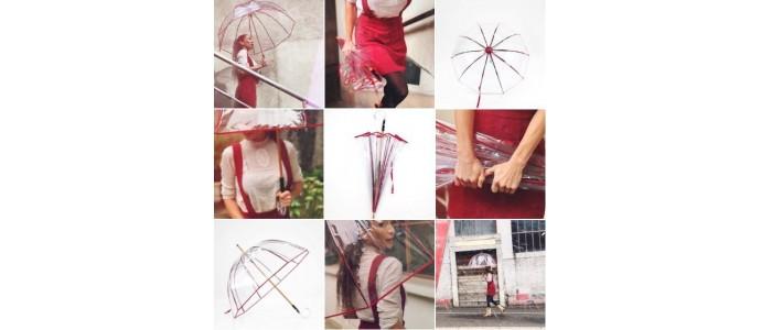 « Le Petit Cloche Rouge » en ville, le Roi des Parapluies Transparents…